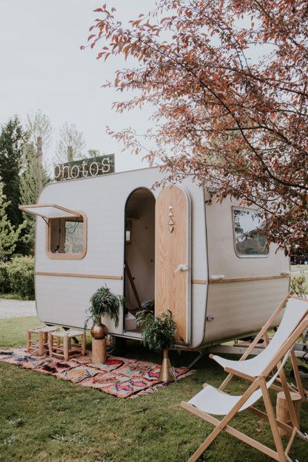 La caravane photobooth Wild Stories lors d'un mariage en gironde